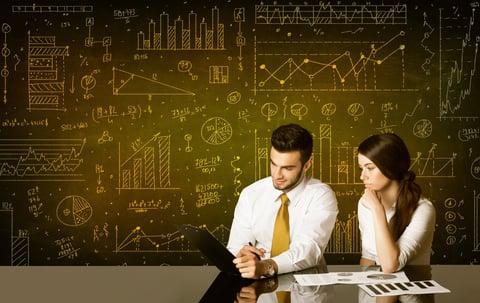 confronto Salesforce e HubSpot CRM - analisi e reportistica